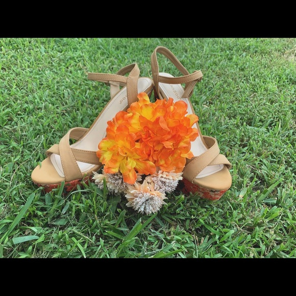 BAMBOO Shoes - Bamboo Floral Wedge Heels